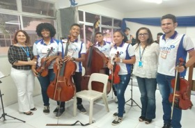 alunos da orquestra