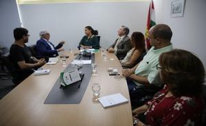Autoridades reunidos no gabinete da prefeitura