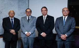 Desembargadores Adalberto de Oliveira Melo (TJPE), Élio Siqueira Filho (TRF5), Agenor Ferreira de Lima Filho (TRE-PE) e Ivan Val