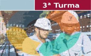 Ilustração gráfica, com dois operários em primeiro plano, e a inscrição 3ª Turma